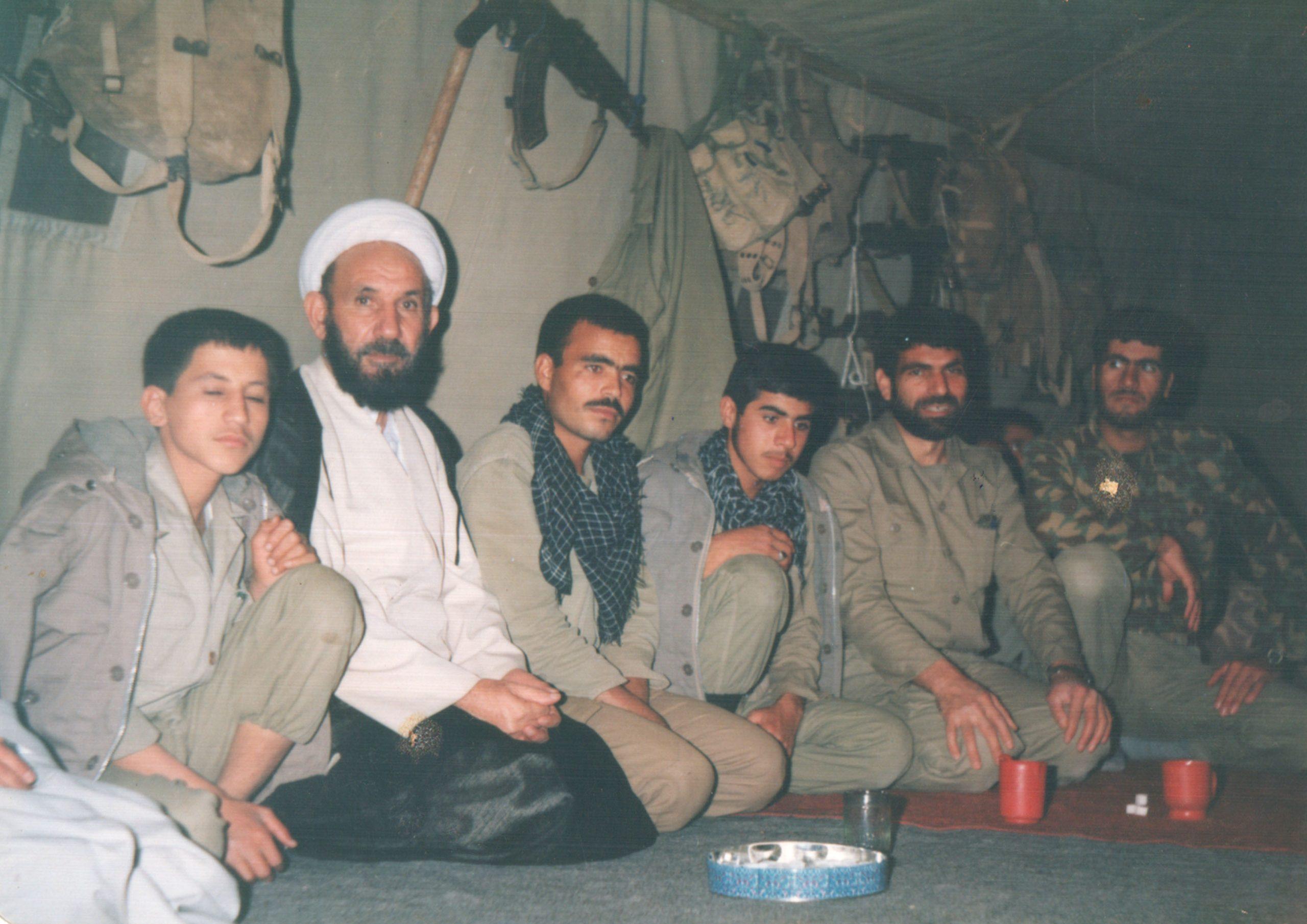 شرکت در جبهه های نبرد حق علیه باطل